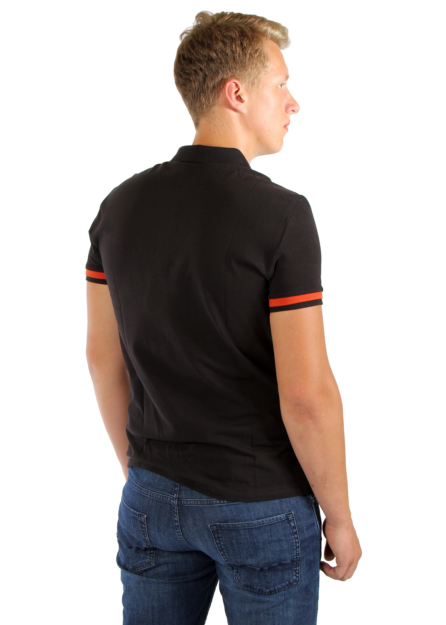 Polo t shirt clothing store kokos for Polo shirt and jeans