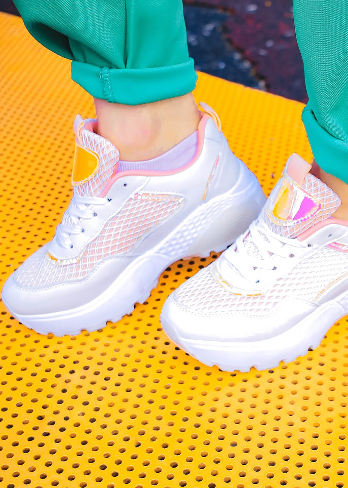 Photo №1 Lorenza white and pink sneakers